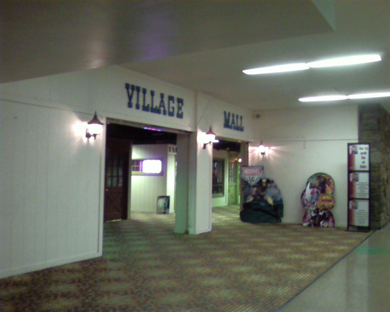 Hocus pocus magic shop - Jersey gardens mall movie theater ...